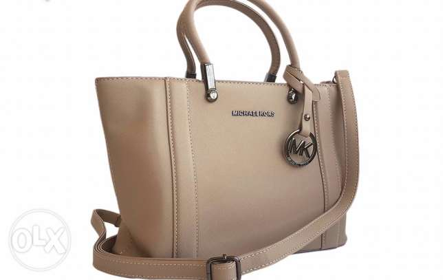 MK bag same color available now Orginal on sale