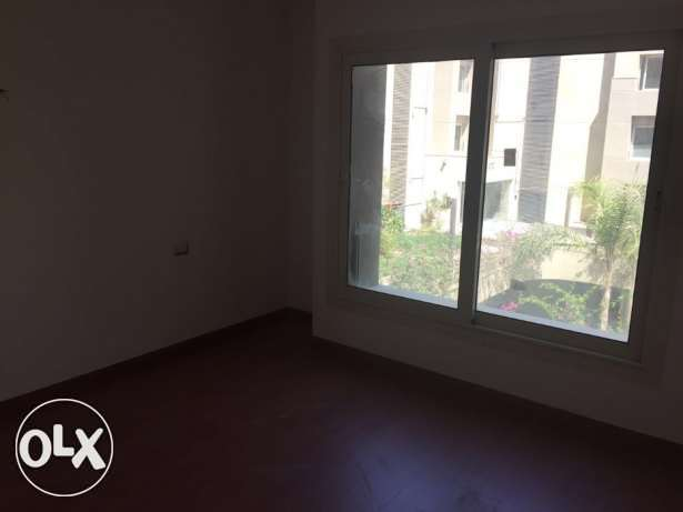 Apartment for rent in the Village garden view القاهرة الجديدة -  4