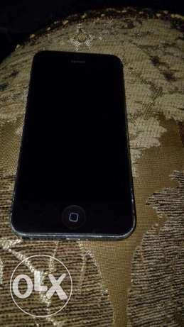 I phone 5 grey in black 16GB Ecxellent condition