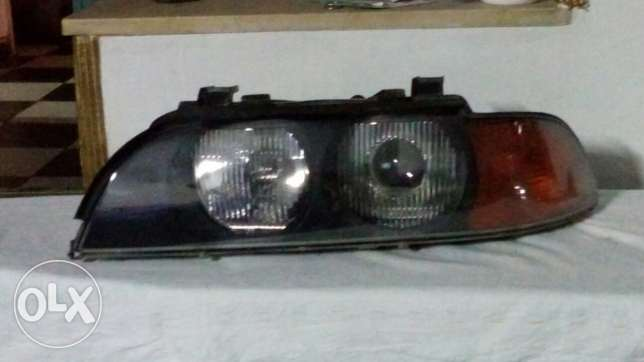 E39 orignal head light lantern Xenon without scratches Bosh lensis وسط القاهرة -  2
