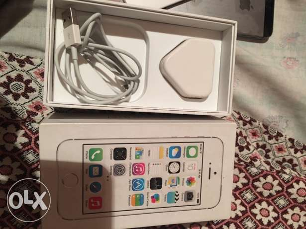 IPHONE 5s 16g silver no scratch السيوف -  6