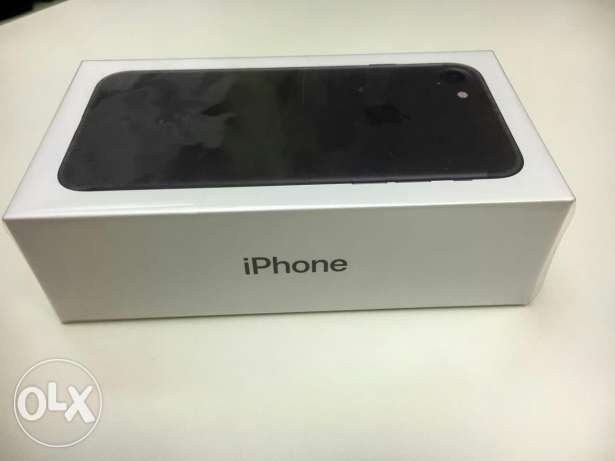 iPhone 7 256 GiB black new sealed وسط القاهرة -  1