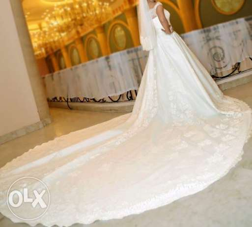 white wedding dress / deal with atelier officers