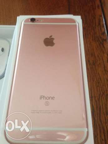 I'm selling Brand new Apple iPhone 6s Plus 128GB Rose Gold