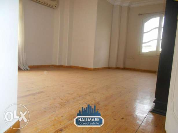 for rent duplex Ground floor with small garden in Degla