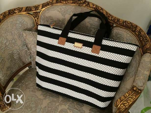 Sale 50% on Orginal Tommy Hilfiger bag Available now