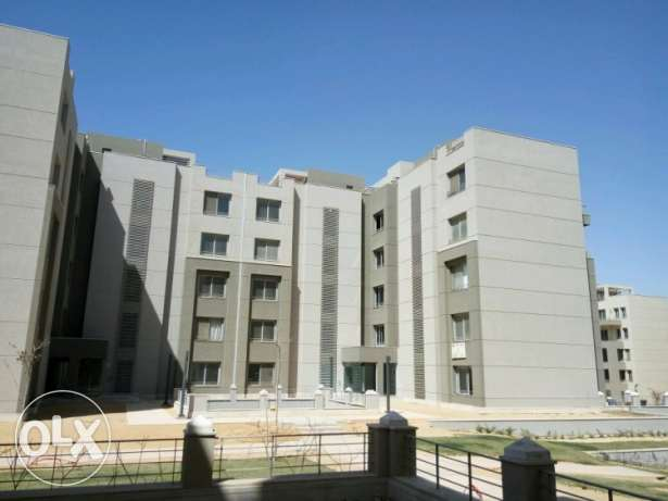 Pent house for rent in Village Gate new cairo