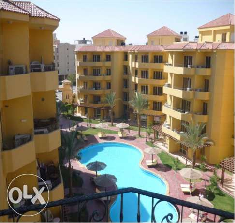 2 bedroom flat for rent with direct pool view. Kawthar الغردقة -  7