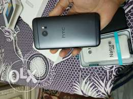 HTC 10 with box and all accessories