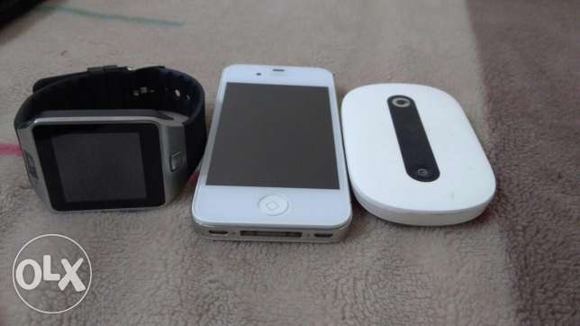 Iphone 4s and smart watch new and vodafone router