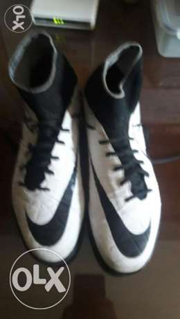 Nike hypervenom black and white