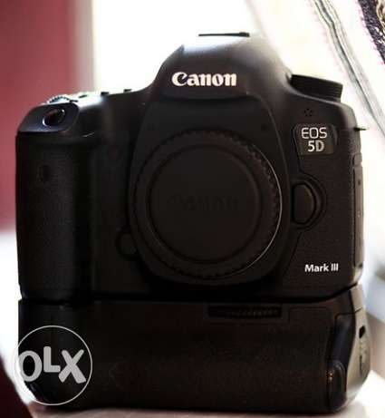 canon 5d mark lll with battry girab