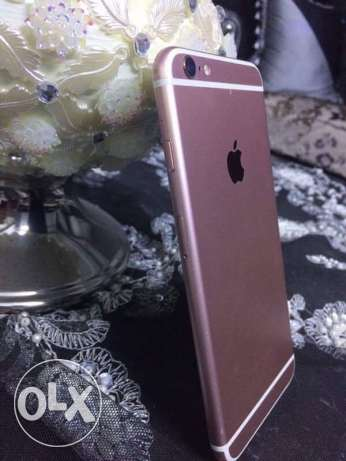 IPhone 6s Plus used like new rose gold ايفون ٦ اس روز جولد ٦٤ جيجا حي الشرق -  2