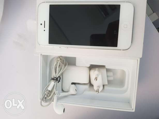 7Iphone 5 excellent condition