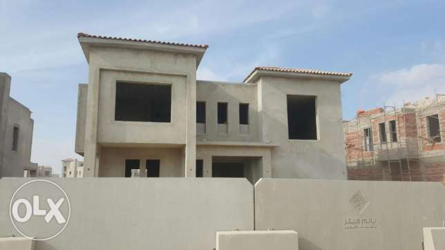 Amazing villa for sale in golf extension ultra prime location 650sqm