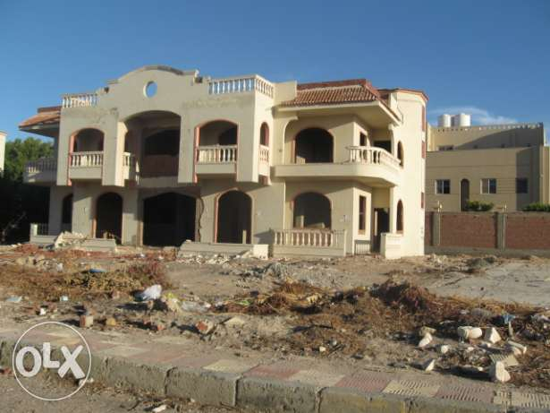 Complete villa in Mubarak 7 on 1st stage. 1 500 sqm, 2 floors