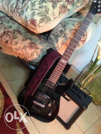 electric guitar with the speakers