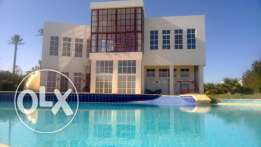 5 bedroom beach front villa 800m in El Gouna for rent