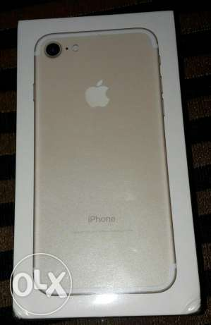 New IPHON 7 32g gold فرصه للتجار