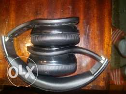 Black auvu head phones