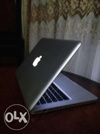 mac book core2duo-ram6giga -viga invidia-13inch الأزاريطة -  5