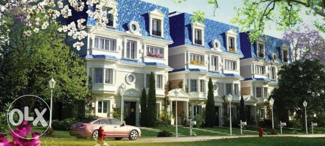 I villa For Sale in mountain view hyde park - New Cairo