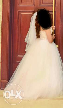 Tull and geber wedding dress and veil