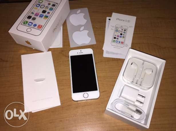"Apple iPhone 5S 64GB ""Factory Unlocked"" 4G LTE iOS القاهرة الجديدة -  1"