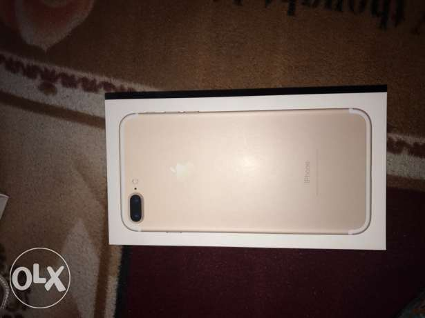 iPhone 7+ gold 32g used 1 months 15000 p