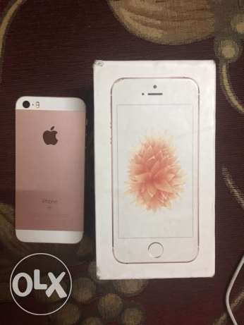iphone se 64gb rose like new