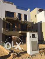 townhouse Corner for sale in westown Beverly Hills