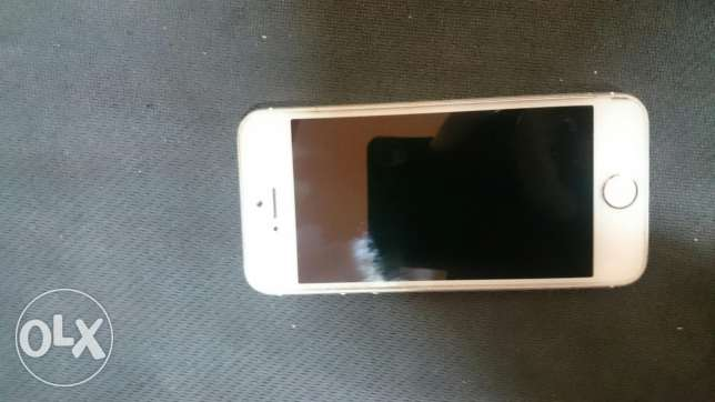 Iphone 5s 16 gold العباسية -  5