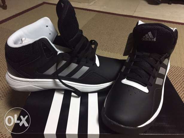 adidas original shoes totally new...size 46 مصر الجديدة -  2