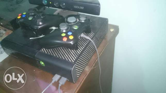Xbox 360 + 25 games +kinect+ 2 controllers