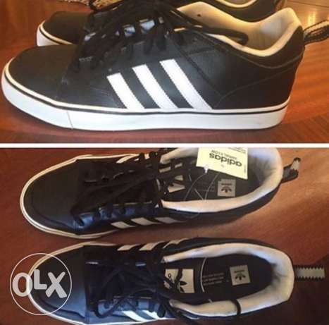 Original New Adidas Men Shoe. Size 45 الزمالك -  1