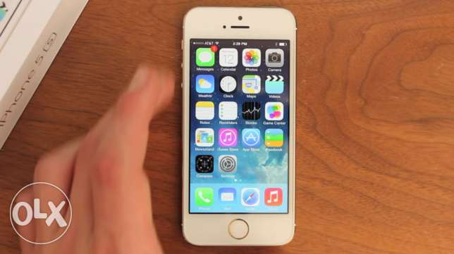 (I phone 5s Gold (American version