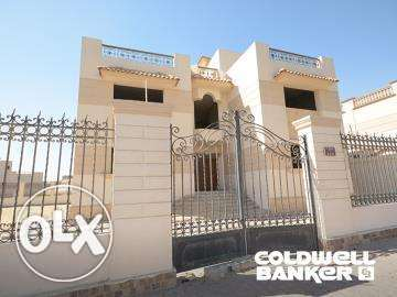 Villa located in 6 October for sale 1332 m2, Royal City
