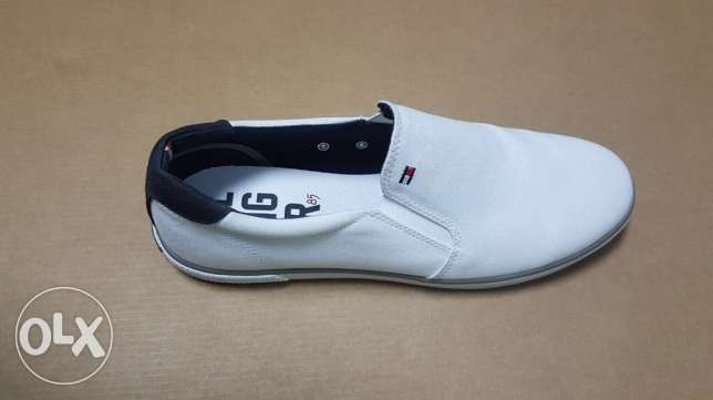Original Tommy hilfiger white loafer for 950 LE size 42 only with box