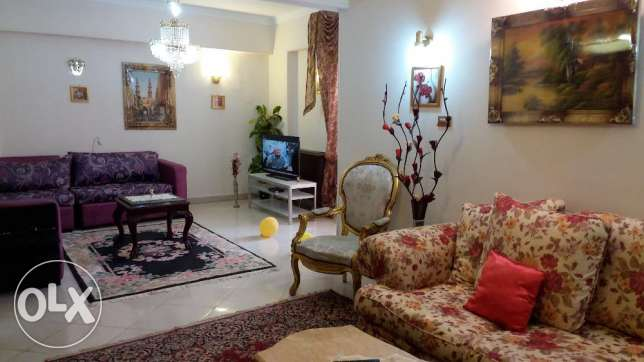 well furnished flat for rent 3 bedrooms and reception fully equipped