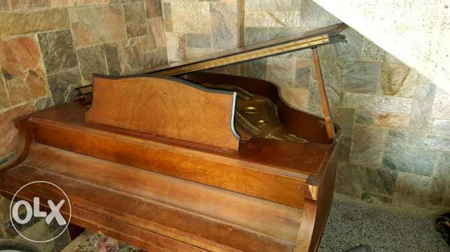 Grand Piano Wurlitzer made in Chicago and New York in 1913