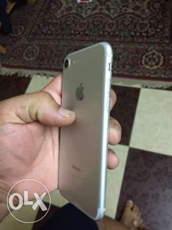 iphone 7 32g silver like new الوايلي -  3
