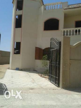 Half villa in Mubarak 7, last line. Total area – 250 sqm, 2 floors.