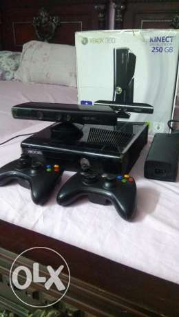 Xbox 360 with kinect and 2 Controller modded hard and cd