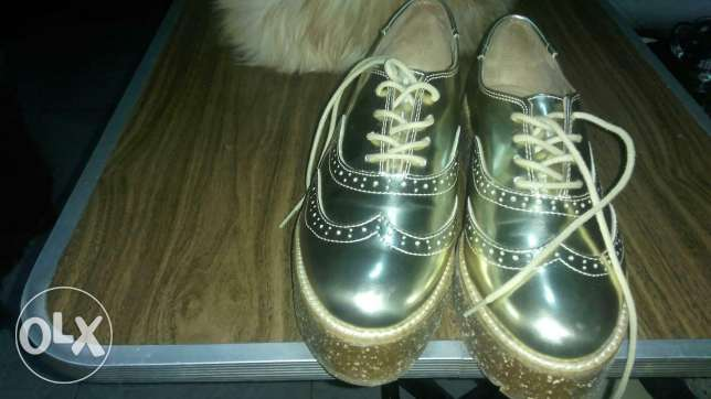 Bershka ((ORIGINAL)) shoes for women size 38 gold