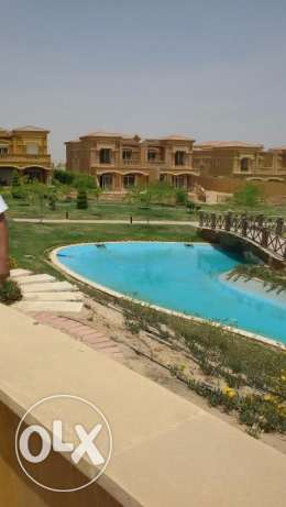 Royal Meadows : Townhouse For sale 6 أكتوبر -  3