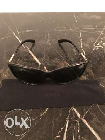 Elegant original PRADA black sunglasses