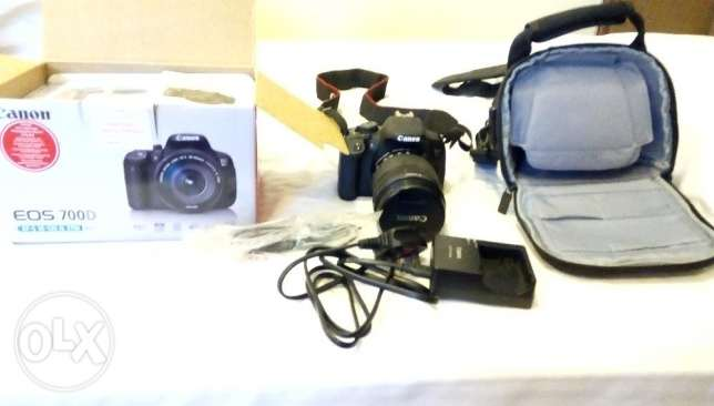 Canon eos 700d 18-135 lens kit with bag and box in excellent condition