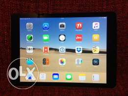 iPad Air - 128 GB - Wifi &3G with additional accessories. First Owner