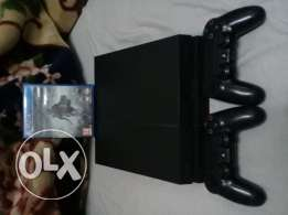 Ps4 and 2 joy sticks and shadow of mordor