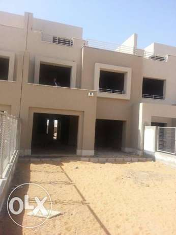 In compound pk2 - standalone 300m prime location التجمع الخامس -  2